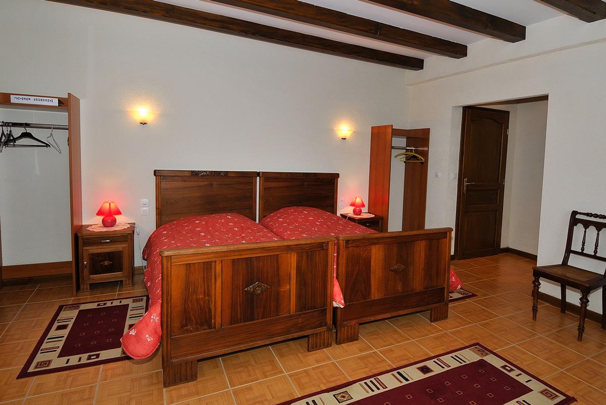 Au vieux h tre chambre d 39 h te restaurant wangenbourg - Vieux meubles restaures ...
